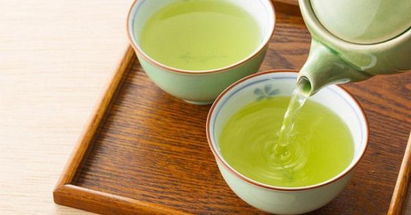 Trà xanh thức uống tốt cho người bệnh cao huyết áp