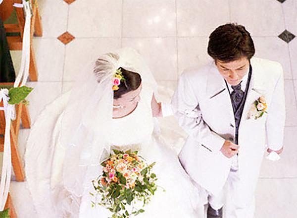 Cuối cùng ngày cưới cũng đến, bố mẹ vui nhưng anh cảm thấy khó chịu