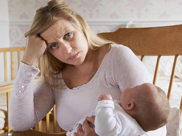Chăm con mẹ xuề xòa xấu xí là ngược đãi bản thân
