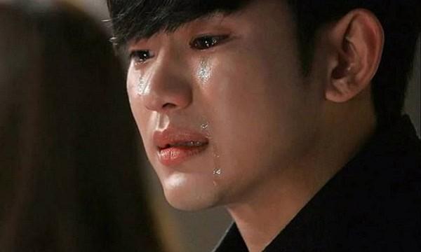 Anh khóc vì bất lực không biết làm gì để có người yêu và bố mẹ người yêu chấp nhận