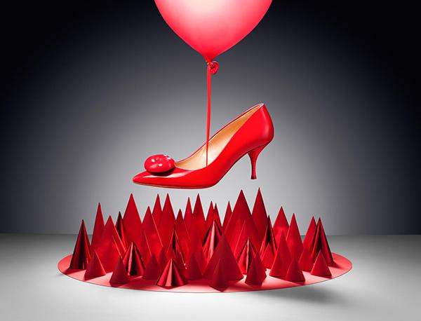 Tặng giày tượng trưng cho sự xa cách