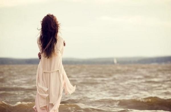 Yêu người đàn ông có vợ tôi phải chấp nhận cô đơn vào những ngày lê