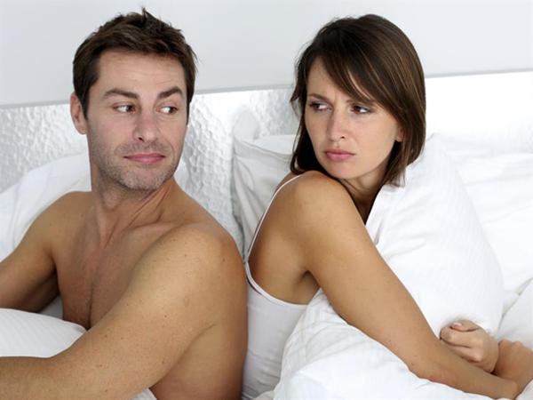 Không hòa hợp chuyện chăn gối vợ chồng hay lục đục