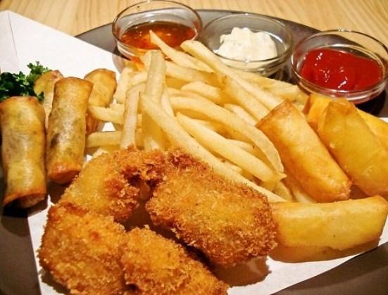 4 loại thực phẩm dễ gây béo phì, tim mạch mà cha mẹ cần lưu ý tránh cho con ăn nhiều - Ảnh 1