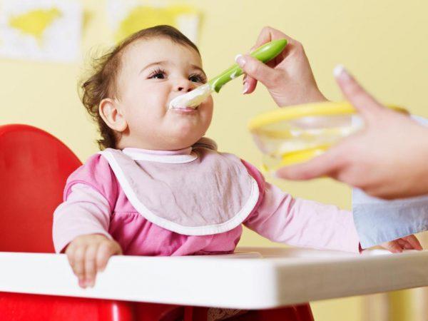 Thời gian biểu cho bé 1 tuổi như thế nào là hợp lý?