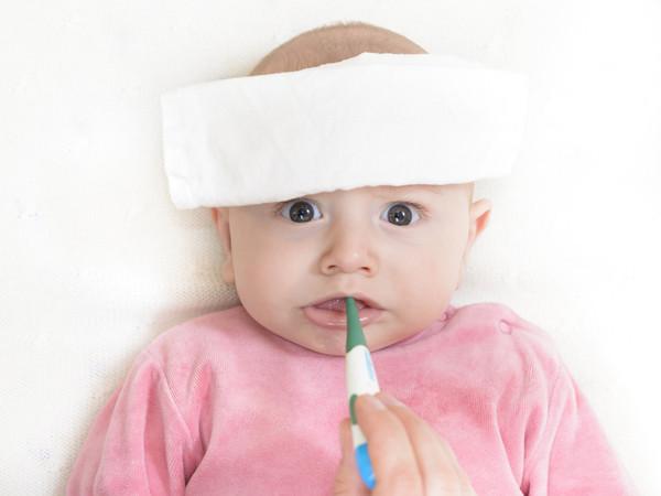 Trẻ sốt cao co giật có ảnh hưởng tới não không?