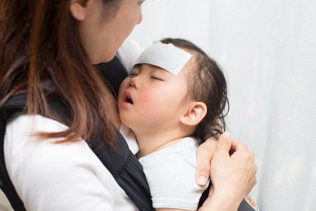 Trẻ có hiện tượng biếng ăn, thường xuyên quấy khóc