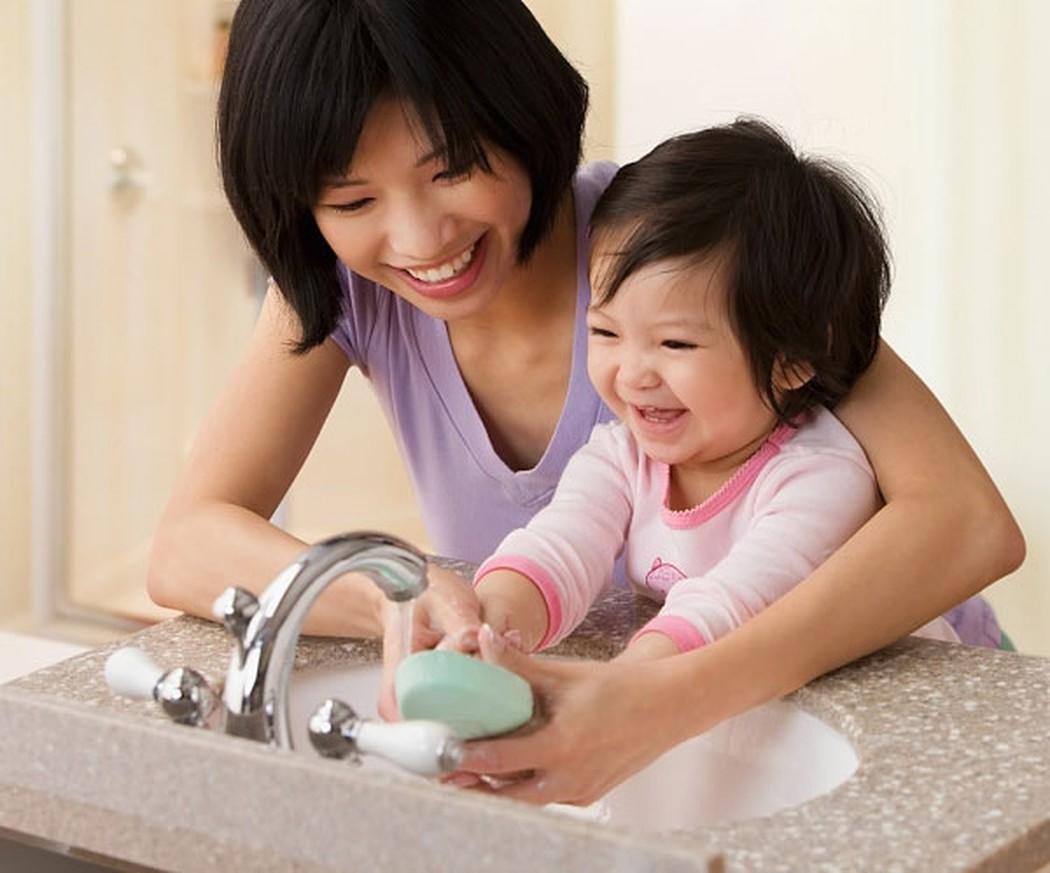 Vệ sinh sạch sẽ cho bé, loại bỏ nguy cơ bệnh tật