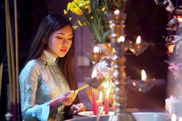 Văn khấn lễ hóa vàng ngày mùng 3 Tết chuẩn nhất năm Kỷ Hợi 2019
