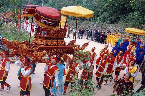Trò chơi ở lễ hội Đền Hùng