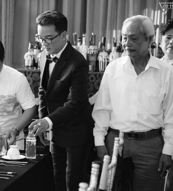 HOT: Đàm Vĩnh Hưng bí mật tổ chức lễ đính hôn tại nhà riêng? - Ảnh 5