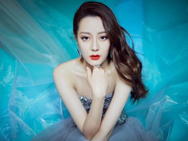 Danh sách 5 người đẹp được sinh viên Trung Quốc ái mộ nhất, bất ngờ với vị trí đầu tiên