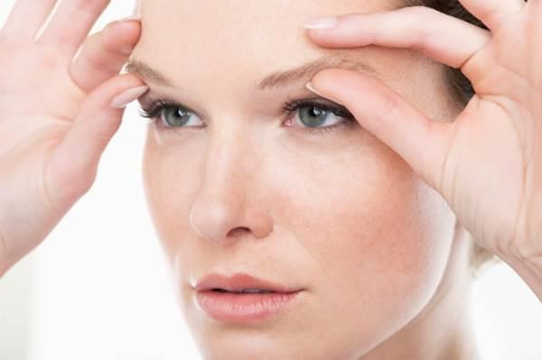 Hãy đi gặp bác sĩ ngay nếu đột ngột có những dấu hiệu này trên khuôn mặt - Ảnh 1