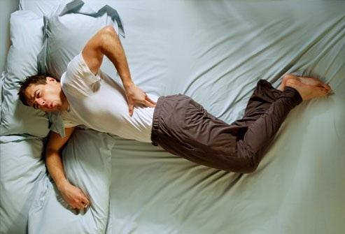 5 kiểu đau lưng không phải do ngồi sai tư thế mà cảnh báo bạn đang mắc trọng bệnh - Ảnh 1