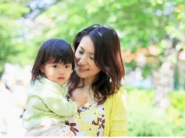 Nghiên cứu của giáo sư Mỹ: 2 cách suy nghĩ sau đây sẽ cho thấy con bạn là đứa trẻ bình thường hay xuất sắc trong tương lai - Ảnh 1