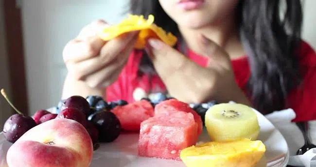 3 thói quen ăn sáng làm tổn thương dạ dày nghiêm trọng nhất, hơn nữa còn ảnh hưởng đến sức khỏe, khó hấp thụ dinh dưỡng - Ảnh 3