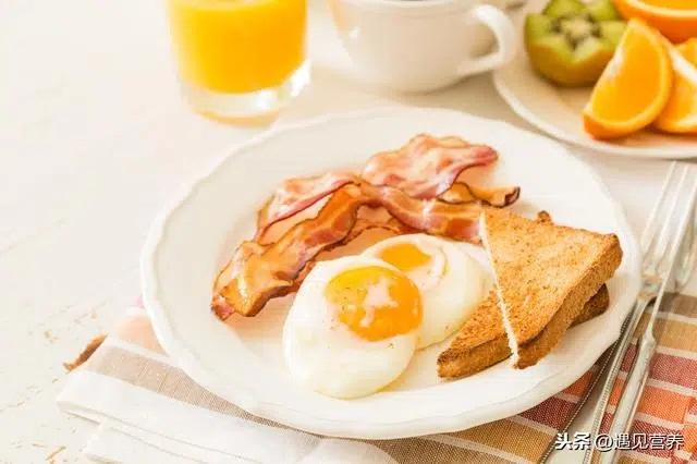 3 thói quen ăn sáng làm tổn thương dạ dày nghiêm trọng nhất, hơn nữa còn ảnh hưởng đến sức khỏe, khó hấp thụ dinh dưỡng - Ảnh 4