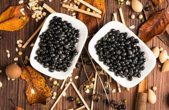 Loại hạt không xa lạ với người dân Việt Nam rất tốt cho sức khỏe, từ xương khớp đến tim mạch, nhưng có 3 nhóm người không nên ăn - Ảnh 1