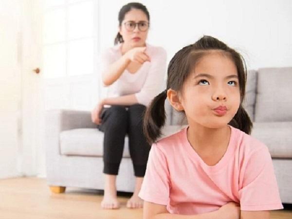 Con lãnh hậu quả vì lời nói dối của cha mẹ