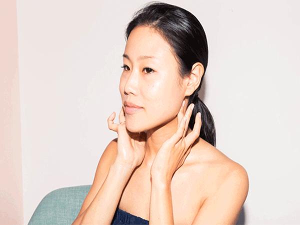 Ăn tết thả ga không lo mụn nhọt với các bước mát xa da mặt đơn giản lại hiệu quả