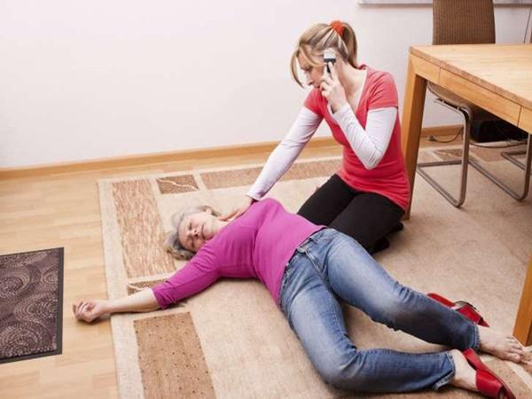 Sơ cứu khi bị đột quỵ, biết cách để tránh nguy cơ tử vong - Ảnh 3