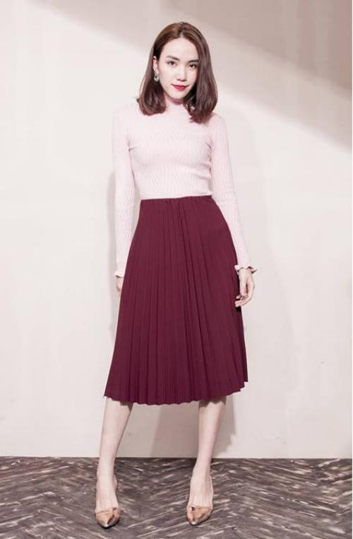 Cách mix đồ Tết với chân váy xếp ly dài 80cm, diện là thu hút mọi ...