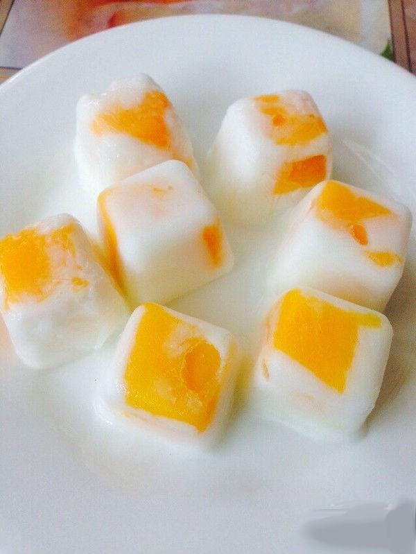 Lấy trái cây chưng Tết làm đá lạnh để mát xa, da mặt căng mướt, trắng mịn như gái Hàn - Ảnh 1