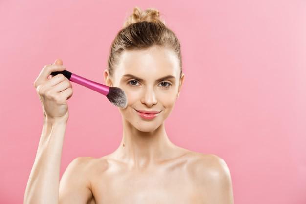 10 công dụng làm đẹp của Vaseline khiến bạn nhất định phải tậu ngay một 'em'! - Ảnh 9