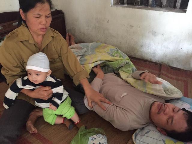 Mẹ bỏ đi, bố bị u não, bé gần 5 tháng tuổi ngằn ngặt khóc vì khát sữa - Ảnh 6