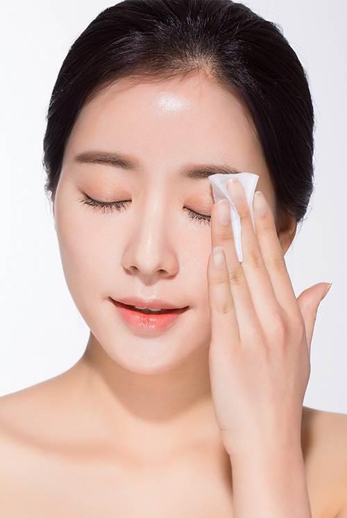Tham khảo 3 bước rửa mặt của gái Hàn giúp da không còn khô hay nứt nẻ vào mùa Đông - Ảnh 1