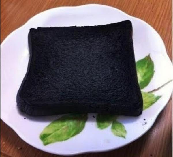 Nướng cháy bánh 1 mẩu bánh mì rồi chà lên răng 5 phút, bạn sẽ không tin vào mắt mình vì quá trắng, quá sạch lại thơm mát - Ảnh 2
