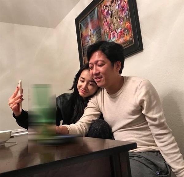 Lộ ảnh Trường Giang và Nhã Phương mặc áo đôi bí mật hẹn hò ở Mỹ - Ảnh 2
