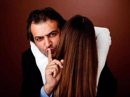 Chắc chắn chồng bạn đang ngoại tình nếu có dấu hiệu chẳng thể ngờ dưới đây - Ảnh 2