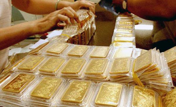 Giá vàng hôm nay 10/3: Bước ngoặt chưa từng có, vàng sụt giảm - Ảnh 1
