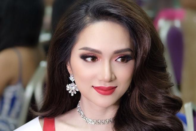 Hương Giang Idol đăng quang Hoa hậu Chuyển giới Quốc tế 2018 - Ảnh 2