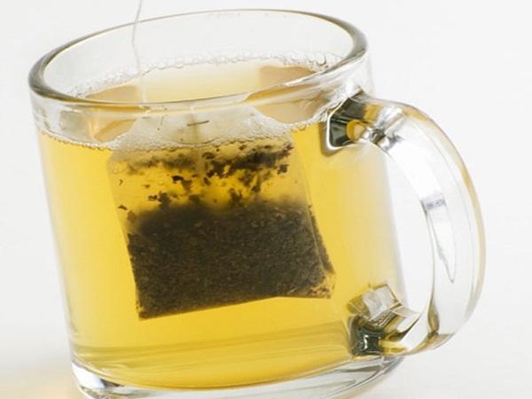 Đừng vứt túi trà sau khi uống nữa vì đây là nguyên liệu làm đẹp da mặt, mái tóc tuyệt vời