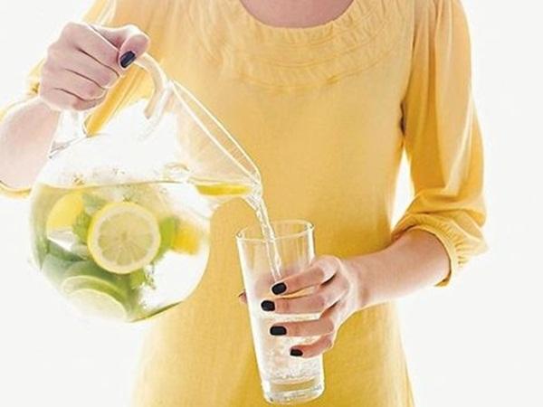 Uống nước chanh pha loãng có thực sự giúp giảm cân?