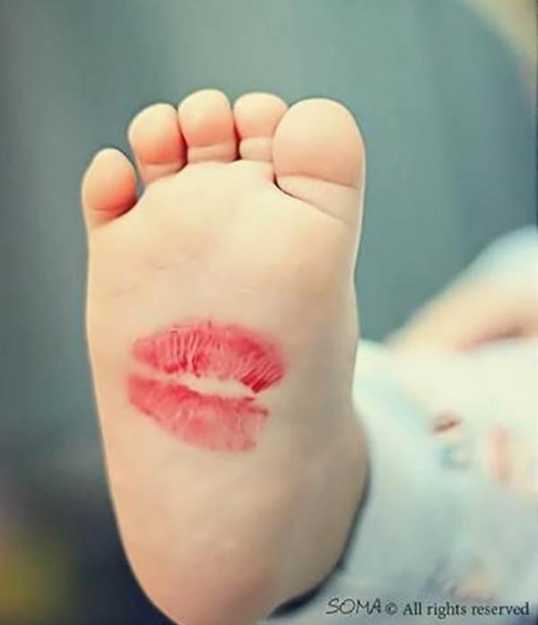 Trẻ đang khóc sẽ 'nín ngay lập tức' nhờ điểm thần kỳ ở bàn chân ít mẹ biết - Ảnh 3