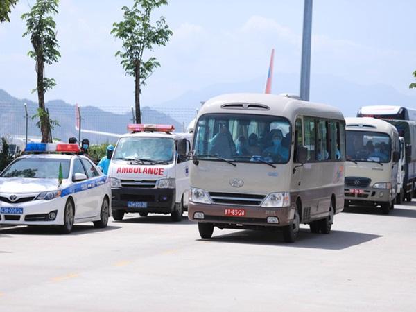 """Nhóm người Hàn Quốc đến Đà Nẵng du lịch được đưa về lại Hàn Quốc vào tối nay, Chủ tịch Đà Nẵng """"rất lấy làm tiếc, xin lỗi về sự bất tiện này"""""""