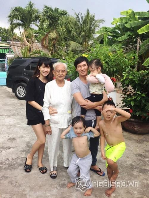 Khi có thời gian rảnh, vợ chồng Lý Hải - Minh Hà thường đưa các con về quê nội chơi