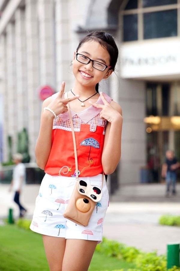 Gương mặt mộc mạc giản dị và phong cách <a target='_blank' href='https://www.phunuvagiadinh.vn/thoi-trang-52'>thời trang</a> phù hợp lứa tuổi là hình ảnh khán giả yêu thích ở Phương Mỹ Chi
