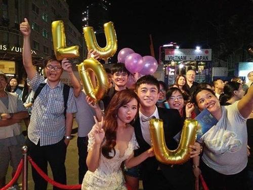 Giữa tin đồn tình ái, Midu, Harry Lu vẫn tình tứ đáng ghen tỵ - Ảnh 14