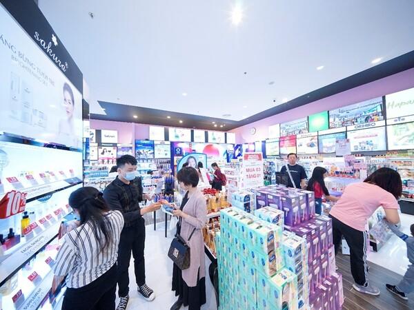 1 tháng sau khai trương, cửa hàng Glam Beautique đầu tiên tại Hải Phòng đón gần 15.000 lượt khách mua sắm