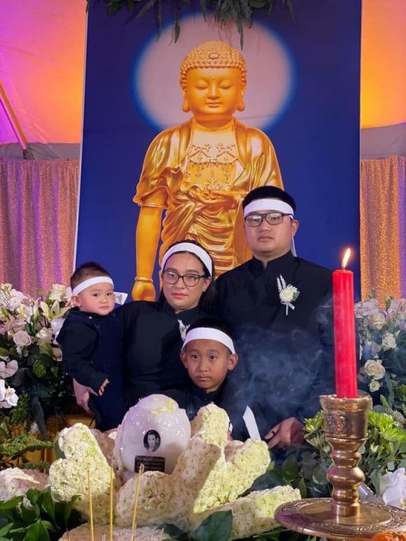 Con gái ruột Phi Nhung đăng tải dòng trạng thái sau tang lễ của mẹ tại Mỹ, nhắn nhủ 1 câu khiến ai cũng trào nước mắt - Ảnh 6