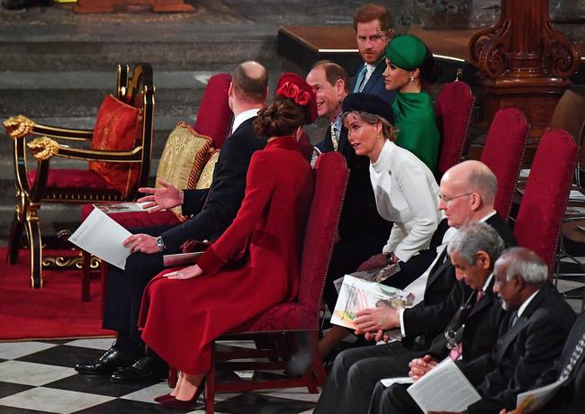 Hé lộ thành viên hoàng gia khiến Công nương Kate chẳng ngại 'đánh mất hình tượng', bộc lộ hết cảm xúc khi gặp nhau - Ảnh 3