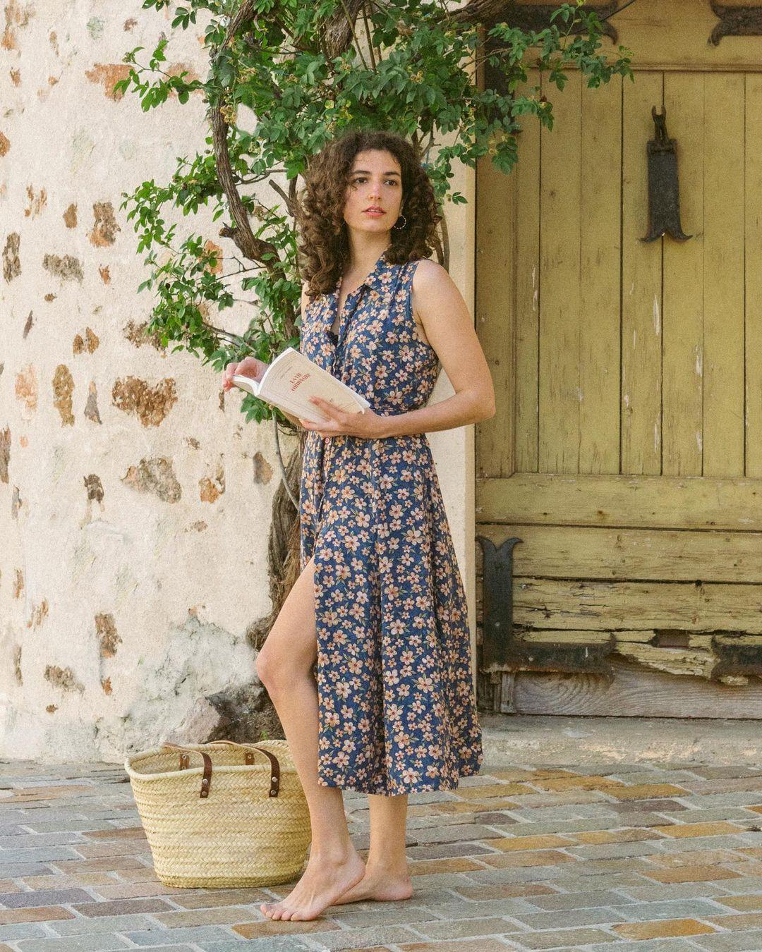Quý cô người Pháp có style chuẩn nàng thơ: Không thể sống thiếu váy quấn, diện đồ 'hoa lá hẹ' mà vẫn rất mực tinh tế - Ảnh 7