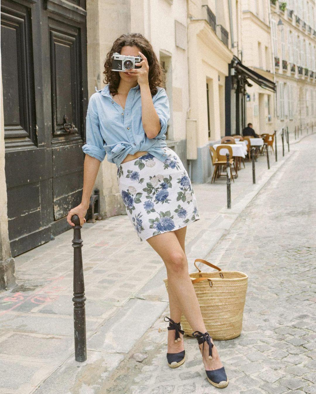 Quý cô người Pháp có style chuẩn nàng thơ: Không thể sống thiếu váy quấn, diện đồ 'hoa lá hẹ' mà vẫn rất mực tinh tế - Ảnh 8