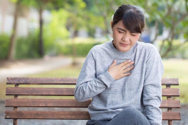 5 dấu hiệu được 'khắc' rất rõ trên da cảnh báo nguy cơ mắc bệnh tim, bất kì ai cũng bị nhầm lẫn với dị ứng - Ảnh 1