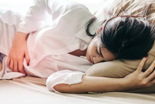 6 dấu hiệu bất thường khi ngủ dậy cảnh báo bệnh nguy hiểm - Ảnh 3