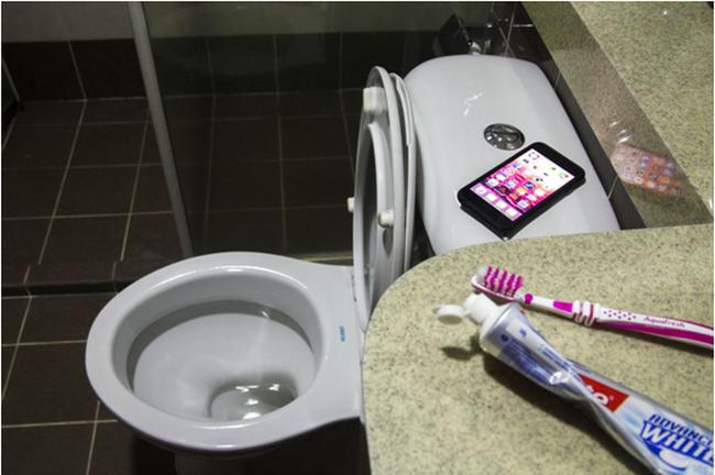 Có 100 triệu vi khuẩn trên bàn chải đánh răng của bạn, làm thế nào để bàn chải sạch sẽ? - Ảnh 2